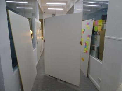 Das Bild zeigt, wie leicht ein Kapa Board ist