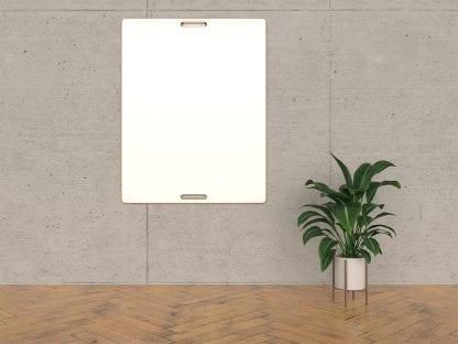 Ein agiles Whiteboard an einer Wandhalterung